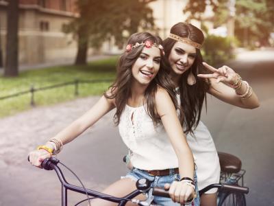 自行车,两个,布鲁内特,微笑,女孩