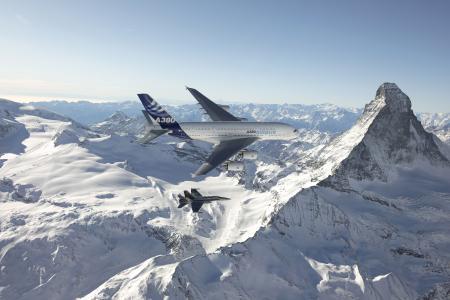 空中客车A380,空中客车,战斗机,护送,自然,山,雪,冬天,阿尔卑斯山