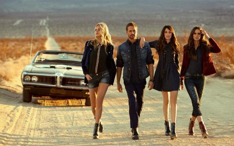 Paul Walker,Izabel Goulart,Thairine Garcia,Erin Heatherton,公路,沙漠,汽车