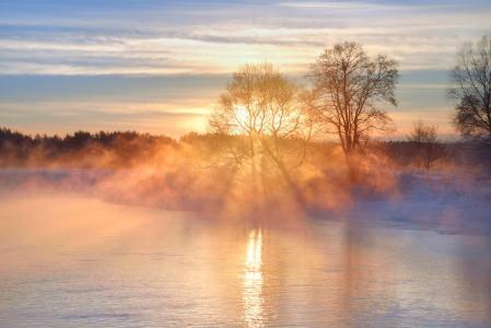 斯维斯洛奇,一月,寒冷的早晨,奥尔加·马克西莫娃
