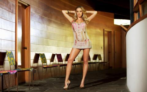 萨曼莎圣,金发,性感,腿,照片,走廊,椅子