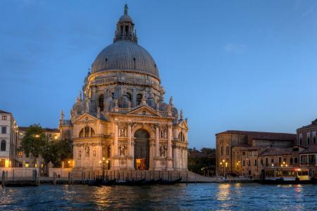 威尼斯,城市,意大利,意大利,圣玛丽亚德拉礼炮大教堂,圣玛丽亚德拉礼炮,大教堂,大运河,大运河,晚上,海,长平底船,灯