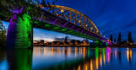 约翰弗罗斯特桥,阿纳姆,荷兰,莱茵河,约翰弗罗斯特桥,阿纳姆,荷兰,莱茵河,河,桥,眩光,夜晚的城市