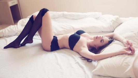 Zoya Grinberg,模特儿,女孩,可爱,谎言,内衣