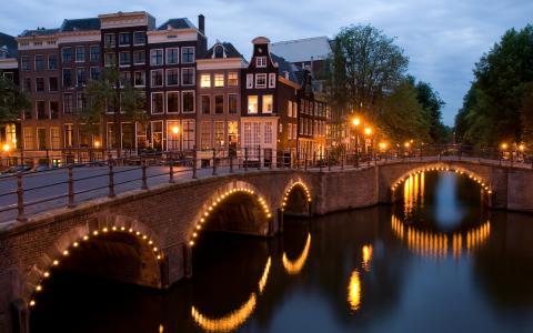 Reguliersgracht,桥梁,Keizersgracht,荷兰阿姆斯特丹,黄昏