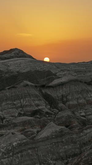 岩石峭壁落日黄昏美景