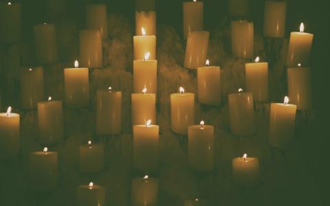 蜡烛,黑暗的背景