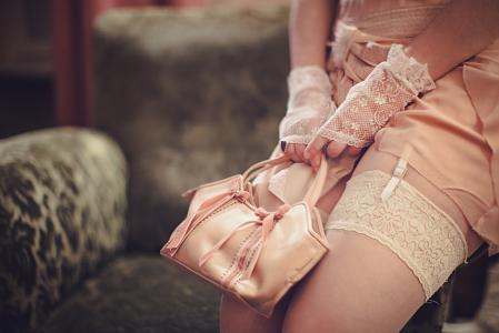 Humeyra Pinarbasi,丝袜,手提包