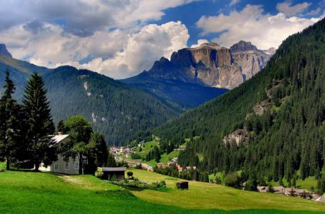 山,森林,绿色,美丽,房屋,天空,云彩