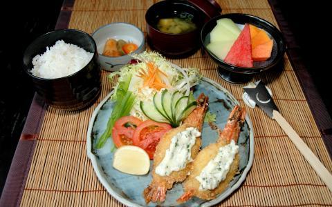 晚餐供应,开胃,大量的蔬菜,鱼