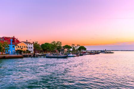 威尼斯粉色日落风景