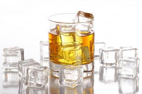 玻璃,白色背景,滴眼液,冰,立方体,威士忌酒