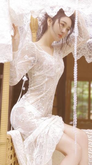 性感白色蕾丝透视装女神