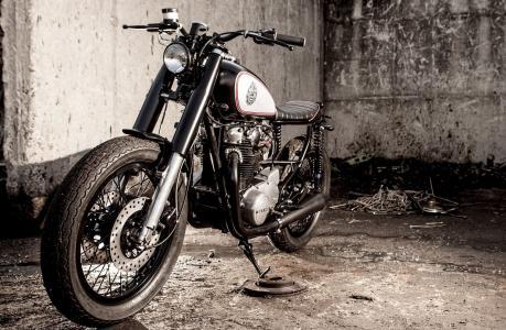 摩托车,自行车,黑色