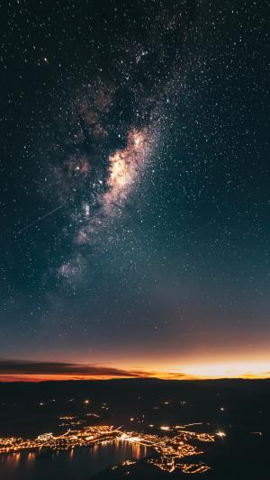 唯美星空下的城市夜景