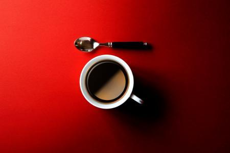 咖啡,红色背景