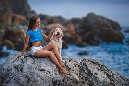 女孩,长长的头发,美丽,狗,海,石头,心情