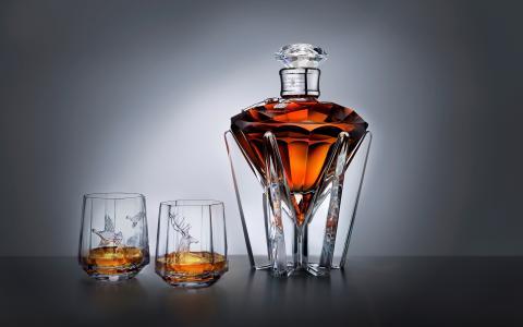 威士忌酒,灰色背景,酒精