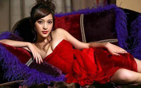 下来,谎言,礼服,亚洲人,沙发,女孩,在红色