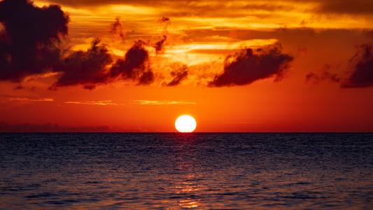 壮丽海边黄昏美景