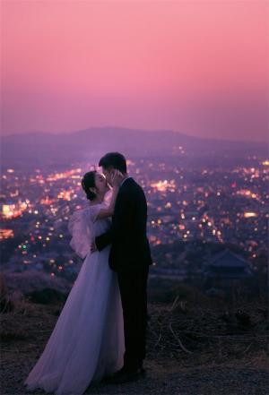 浪漫情侣落日婚纱摄影