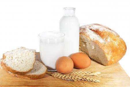 面包,鸡蛋,简单的食物,水罐,食物,小麦,牛奶
