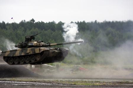 飞行,坦克,武器