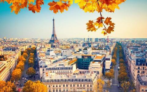 法国巴黎之秋