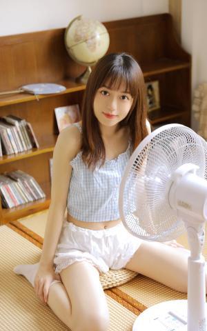 夏日元气少女日系性感私房写真照