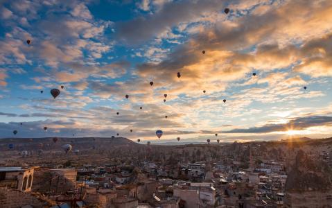 天空,云,山,城市,房子,气球