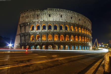 罗马,意大利,斗兽场,斗兽场,弗拉维奥,罗马,意大利,斗兽场,圆形剧场,建筑,城市,夜晚,光,灯,路,老化