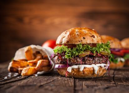美味的牛肉汉堡包