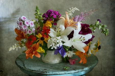 尼古拉帕诺夫,桌子,花瓶,鲜花,百合,黄金菊,康乃馨,福禄考,astilba,锦葵,洋甘菊
