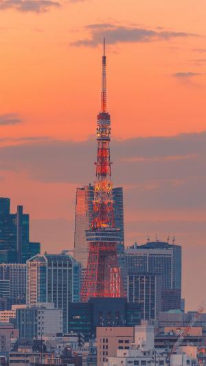 晚霞下的东京铁塔