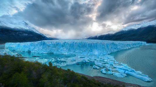 冰块,水面裂开,雪山