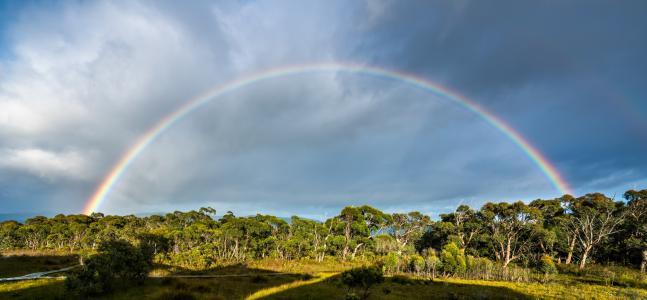 塔斯马尼亚岛彩虹摄影风光