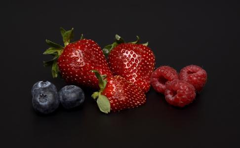 蓝莓,覆盆子,草莓,浆果