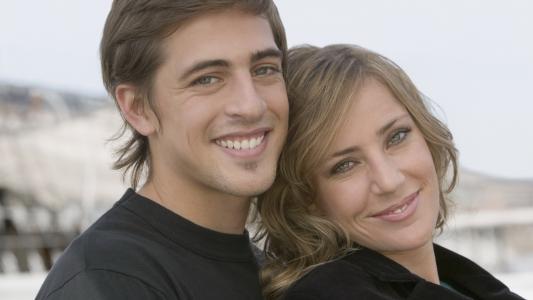 年轻的夫妇,恋人,微笑