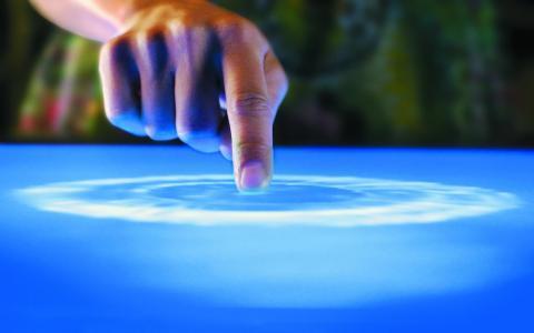 触摸,手,波浪效果,表,表面