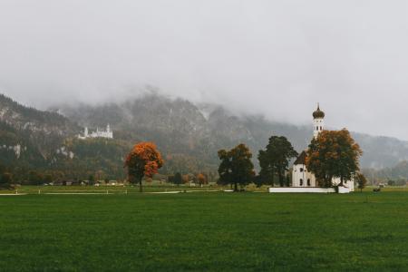 阿尔卑斯牧场的秋天