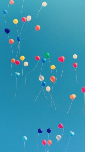 飞向蓝天的气球