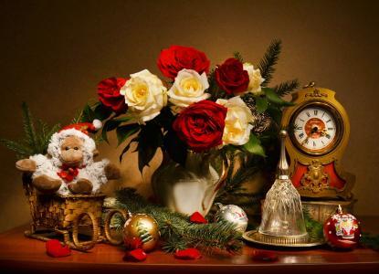 瓦伦蒂娜科洛娃,静物,水罐,鲜花,玫瑰,分支机构,云杉,时钟,钟,玩具,新的一年