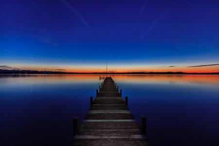 施塔恩贝格湖,德国巴伐利亚州,施塔恩贝格湖,施塔恩贝格湖,德国巴伐利亚州,夕阳,码头