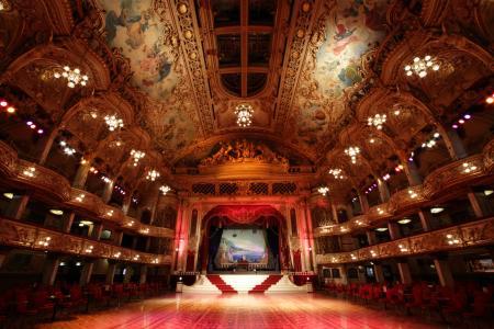 舞台,舞厅,吊灯,盒子,椅子