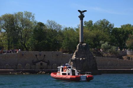 黑海,塞瓦斯托波尔,被凿沉的船只的纪念碑