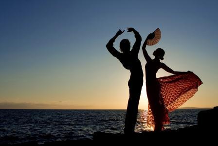 女孩,家伙,舞蹈,运动,自然,海,河,水,波浪,日落,天空