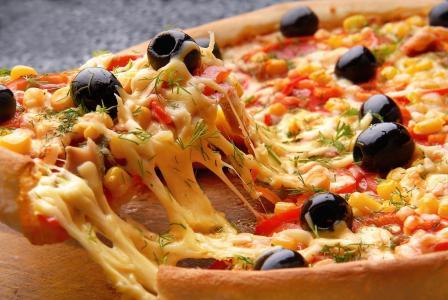 玉米,奶酪,比萨饼,橄榄,辣椒粉