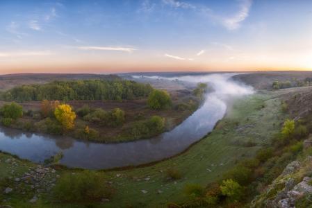 河,Kalmius,乌克兰,夏天