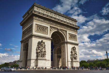 巍峨壮观的凯旋门