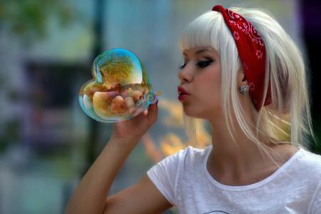 女孩,肥皂泡,头巾,金发女郎,树,性质,反思